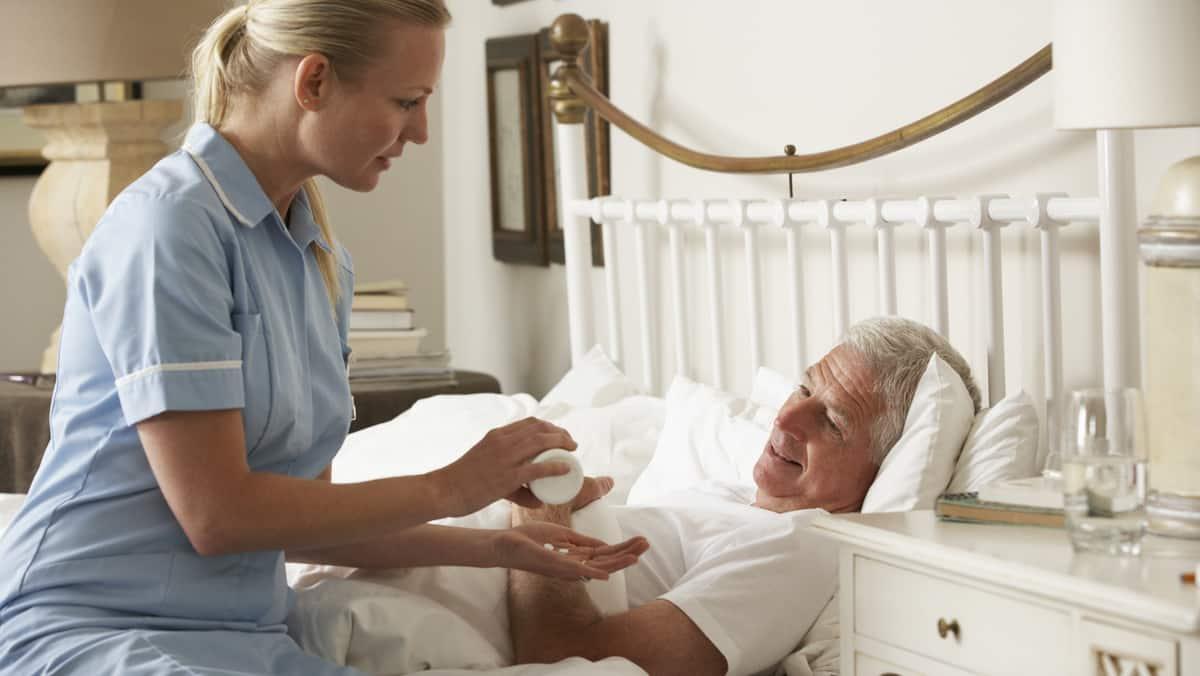 Os cuidados paliativos são uma concepção de atendimento na medicina cujo objetivo é melhorar a qualidade de vida do paciente com doença progressiva.