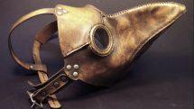 Máscara com bico usada por médicos no século XIV para evitar infecções.