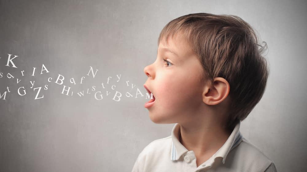 O ser humano demora alguns anos para dominar perfeitamente o mecanismo da fala. Alguns o fazem mais depressa; outros, mais devagar.