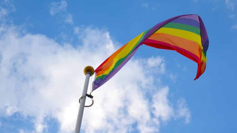 bandeira de arco-íris. cura gay não existe