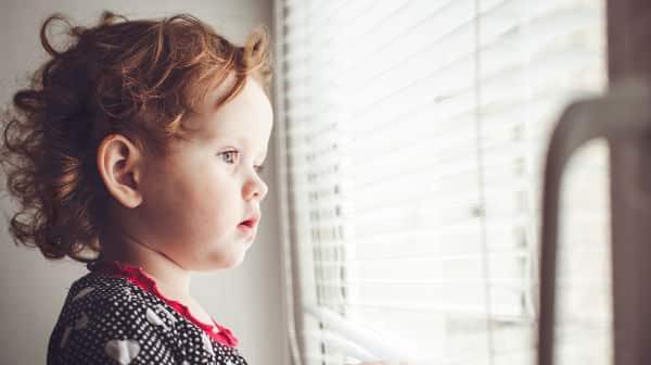Cordões de cortinas podem causar estrangulamento de crianças