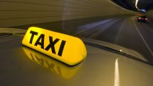 luminoso de táxi em túnel. dona cida descobriu a traição do marido taxista