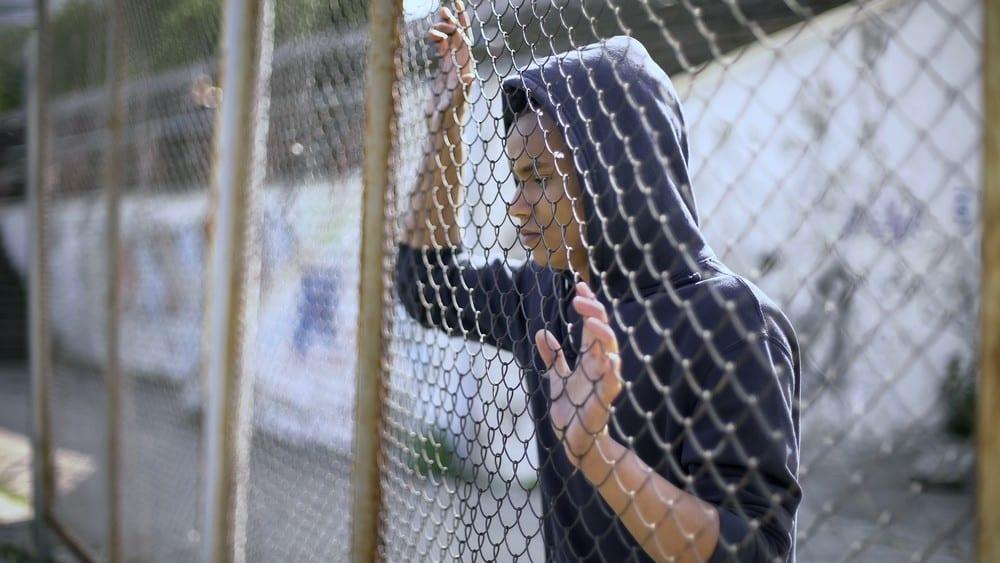 jovem preso. debate sobre maioridade penal acirra ãnimos