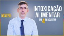 """Thumbnail com o gastro Ricardo Balbuti e o texto """"Intoxicação alimentar em 4 perguntas""""."""